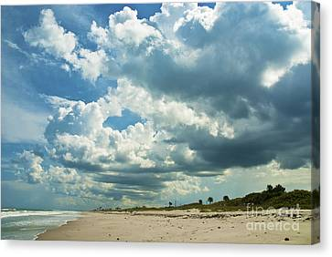 September Beach 3 Canvas Print by Susanne Van Hulst