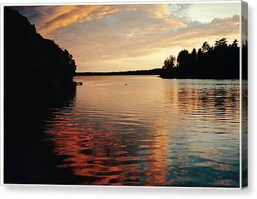 Canvas Print featuring the photograph Setting Sun by Patricia Hiltz