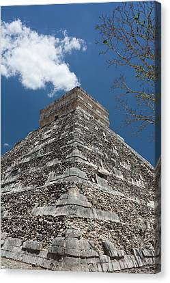 Side View Of Chichen Itza Pyramid Canvas Print by L. Bressand