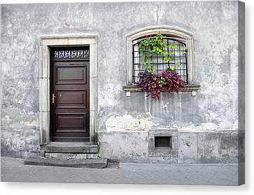 Simple Old House Facade. Canvas Print by Fernando Barozza
