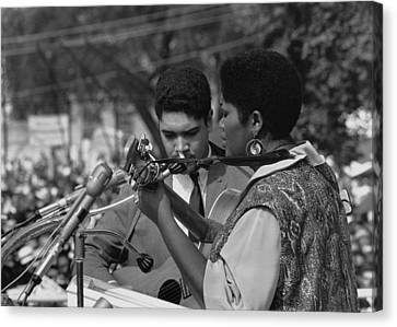 Singer Odetta At The 1963 Civil Rights Canvas Print by Everett