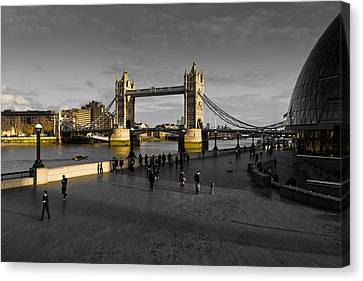 Southbank London  Canvas Print by David Pyatt