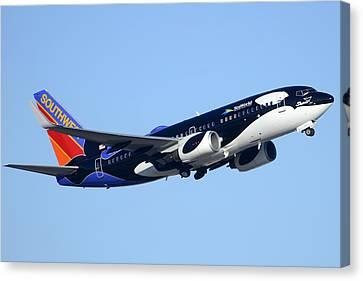 Southwest 737-7h4 N713sw Shamu Phoenix Sky Harbor Arizona December 23 2011 Canvas Print by Brian Lockett