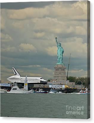 Space Shuttle Enterprise 1 Canvas Print by Tom Callan