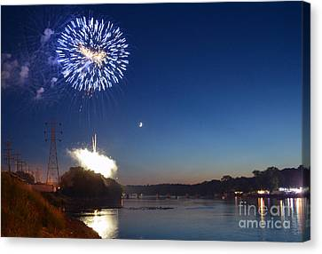 Sparkling Water  Canvas Print by Sue Stefanowicz