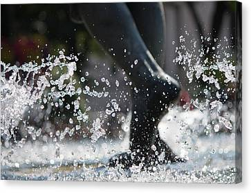 Canvas Print featuring the photograph Sploosh by Stephanie Nuttall
