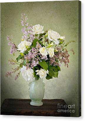 Canvas Print featuring the photograph Spring Fragrance by Cheryl Davis