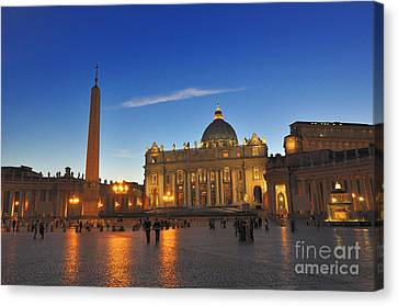 St Peters Basilica Canvas Print by Ed Rooney