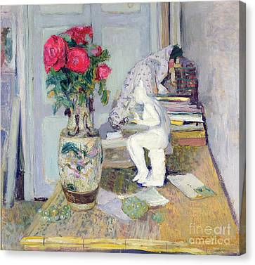 Statuette By Maillol And Red Roses Canvas Print by Edouard Vuillard