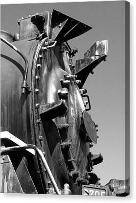 Canvas Print featuring the photograph Steme Engine Front Black And White by Darleen Stry