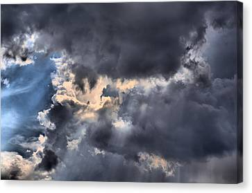 Stormy Skies Canvas Print by Lynnette Johns