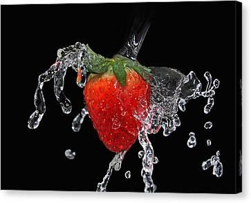 Strawberry-splash Canvas Print