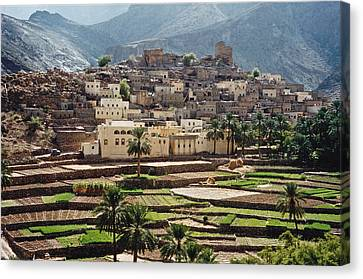 Sultanat D'oman Canvas Print by Micheline Canal