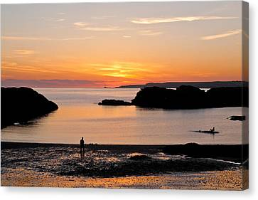 Sun And Surf Canvas Print by Gary Finnigan