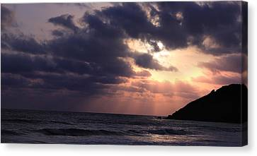 Sunrays From Heaven Canvas Print