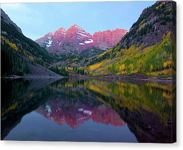 Sunrise At Maroon Bells Canvas Print by Carolyn Dalessandro
