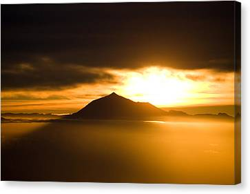 sunrise behind Mount Teide Canvas Print by Ralf Kaiser