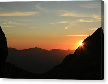 Sunrise On Mt.whitney Canvas Print by Suzanne Lorenz