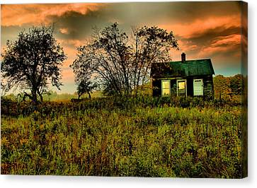 Sunrise On The Prairie Canvas Print by Matthew Winn