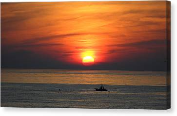 Canvas Print featuring the photograph Sunrise Over Gyeng-po Sea by Kume Bryant