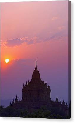 Sunrise Over Stupa Temple In Bagan Canvas Print by Carson Ganci