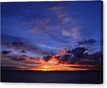 Sunrise Over Western Australia I I I Canvas Print by Kirsten Giving