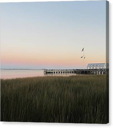 Sunset At Charleston Bay 2 Canvas Print by Cathy Lindsey