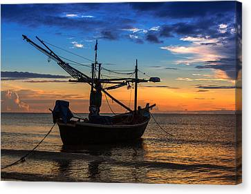 Sunset Fisherman Boat Huahin Thailand Canvas Print by Arthit Somsakul