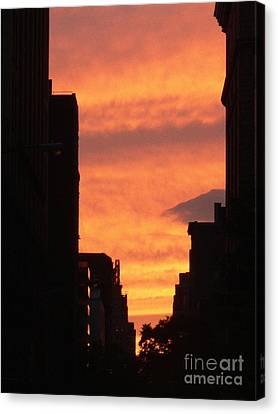 Sunset In Nyc Canvas Print