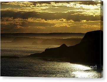 Canvas Print featuring the photograph Sunset Mist by Blair Stuart