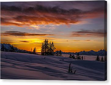 Sunset On The Tantalus Canvas Print by Ian Stotesbury