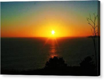 Sunset View Canvas Print by Alma Yamazaki