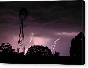 Super Storm Canvas Print by Linda Unger