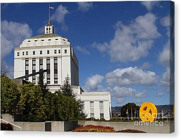Supreme Court Of California . County Of Alameda . Oakland California View From Oakland Museum . 7d13 Canvas Print by Wingsdomain Art and Photography