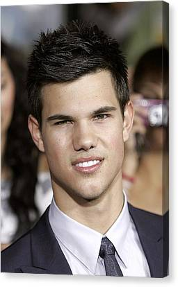 Taylor Lautner At Arrivals For The Canvas Print