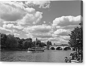Canvas Print featuring the photograph Thames River Cruise by Maj Seda