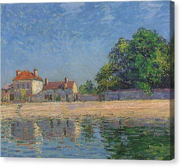 The Banks Of The Loing Canvas Print by Alfred Sisley