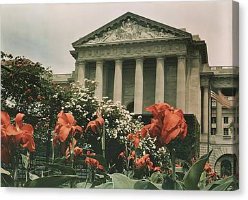 The Frieze Is Titled Columbia. It Canvas Print by Charles Martin