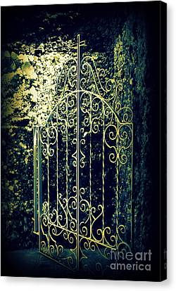 The Gate In The Grotto Of The Redemption Iowa Canvas Print by Susanne Van Hulst