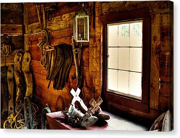 The Granary At Fort Nisqually Canvas Print by David Patterson