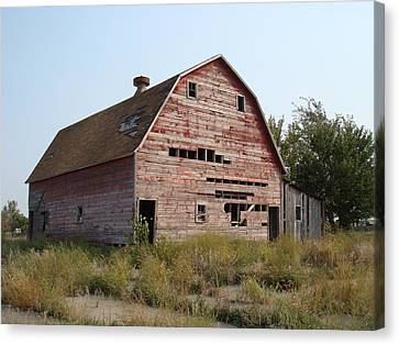 Canvas Print featuring the photograph The Hole Barn by Bonfire Photography