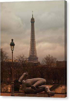 The Lady Of The Tuileries Canvas Print by Stephanie Benjamin