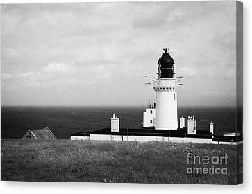 The Lighthouse At Dunnet Head Most Northerly Point Of Mainland Britain Scotland Uk Canvas Print by Joe Fox