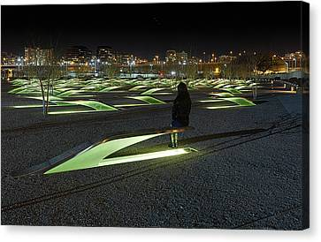The Lonely Tourist At Pentagon Memorial Canvas Print