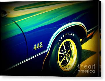 The Muscle Car Oldsmobile 442 Canvas Print