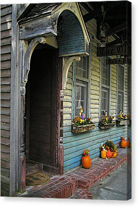 Canvas Print featuring the photograph The Olde B And B by Judy  Johnson
