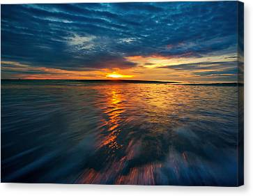 The Seascape Huahin Thailand Canvas Print by Arthit Somsakul
