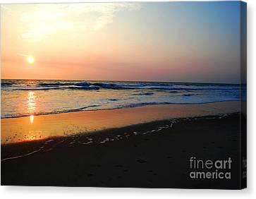 Canvas Print featuring the photograph The Start Of A Good Day by Linda Mesibov