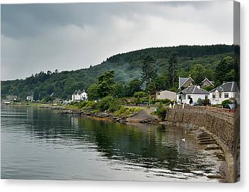 The Storm Moves In On Tighnabruaich Canvas Print by Ronnie Reffin
