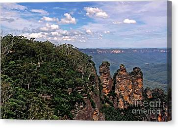 The Three Sisters - The Blue Mountains Canvas Print by Kaye Menner